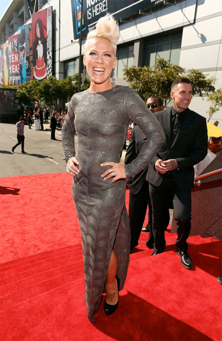 Best Dressed: MTV Video Music Awards 2012 | Mummy Why (formerly Fash ...